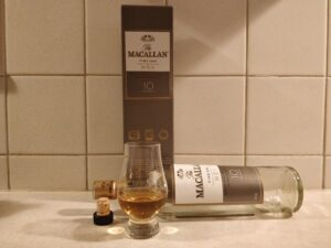 Macallan Fine Oak 10 Year Old bottle kill